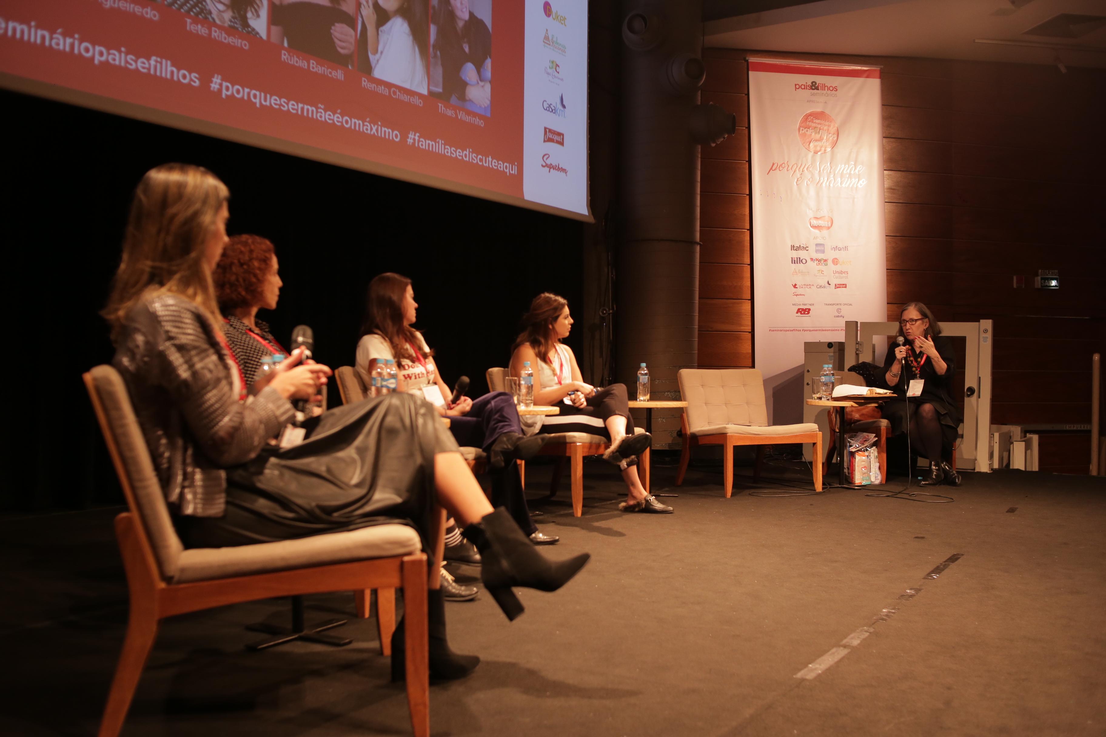 Mesa redonda com Mônica Figueiredo, Rúbia Baricelli, Thaís Vilarinho, Teté Ribeiro e Renata Chiarello